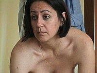 Ehefrau heimlich beim Umziehen gefilmt