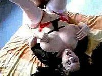 Geile Hausfrau mit dicken Titten gefickt