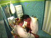 Geiles Paar wird heimlich beim Sex im Badezimmer gefilmt