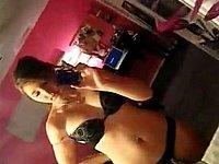 Geiles M�dchen (18) filmt sich selbst nackt mit dem Handy