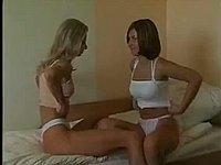 Geiler privater Sexfilm mit zwei scharfen M�dchen