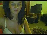 Sch�ne Frau beim Blowjob vor ihrer Webcam